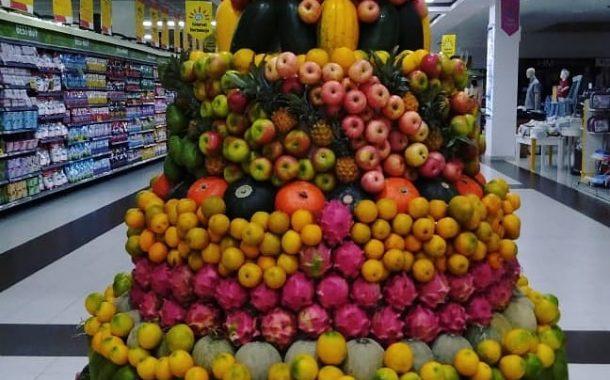 چیدمان میوه در فروشگاه